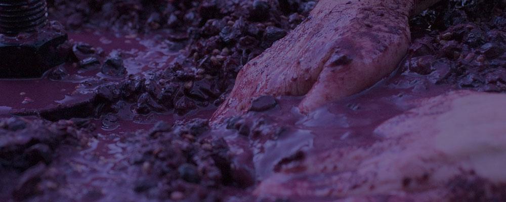 winery-press-hand-1000w